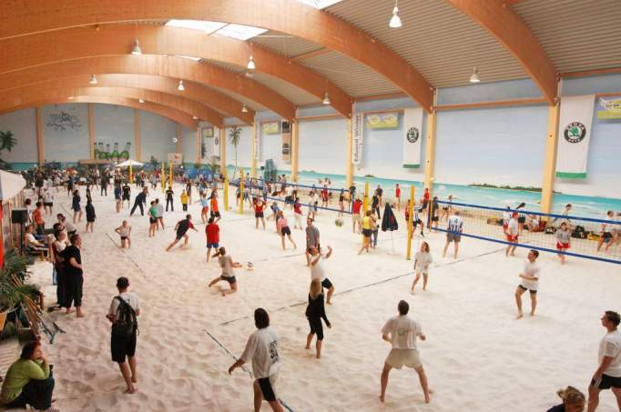 Indoor BeachCenter Berlin - © BeachMitte GmbH