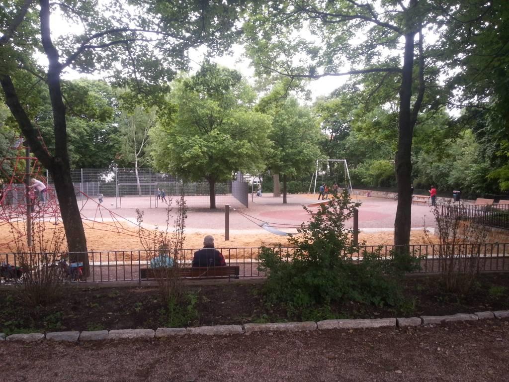 local destination large playground in a city park erfurt. Black Bedroom Furniture Sets. Home Design Ideas