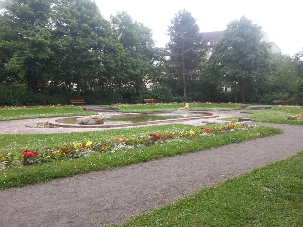local destination city park erfurt in erfurt. Black Bedroom Furniture Sets. Home Design Ideas