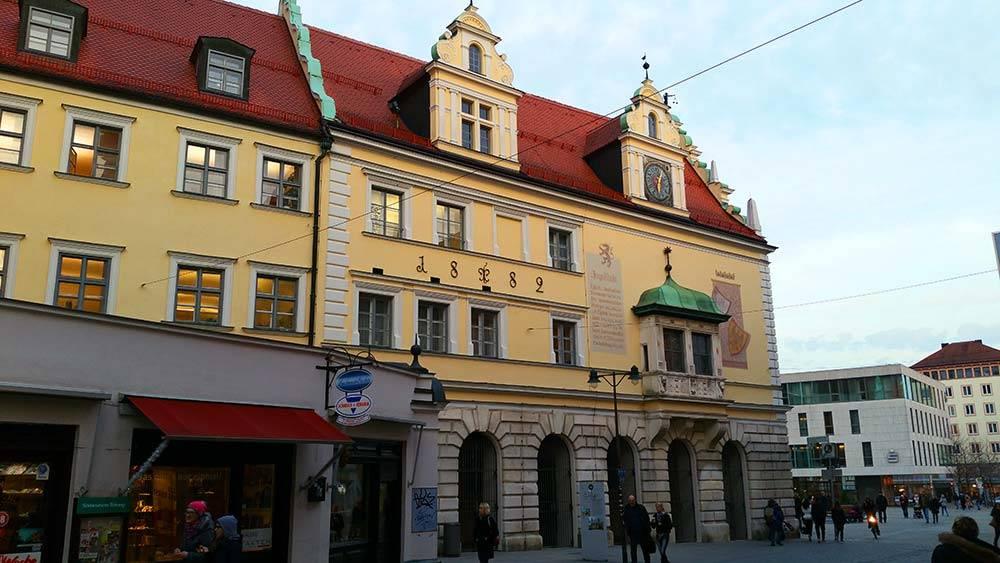 Ausflugsziel Altes Rathaus Ingolstadt in Ingolstadt - DOATRIP.de