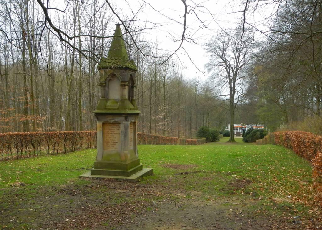 Ausflugsziel Kriegerdenkmal In Syke Doatrip De