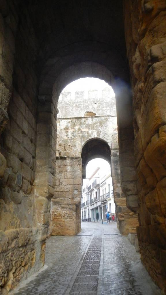 Ausflugsziel alcazar de la puerta de sevilla in carmona for Puerta de sevilla carmona